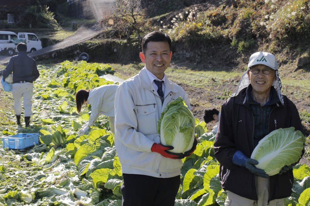 R70取材(白菜収穫)