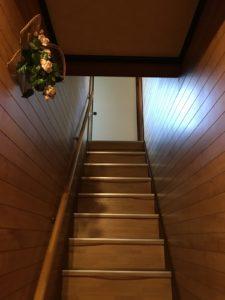 間取りを変えた大規模リフォーム(階段before)