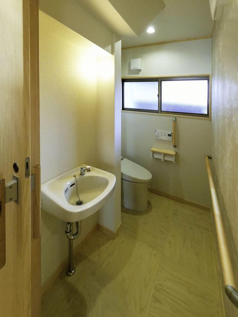 二世帯住宅にリフォーム(トイレ)